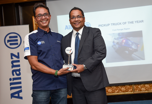 Sazali Abdul Rahman, Head of Partnerships, Franchise & Bancassurance, Allianz  General Insurance Company (Malaysia) Berhad and Encik Syed Ahmad Muzri Bin Syed Faiz, Managing Director, Sime Darby Auto ConneXion
